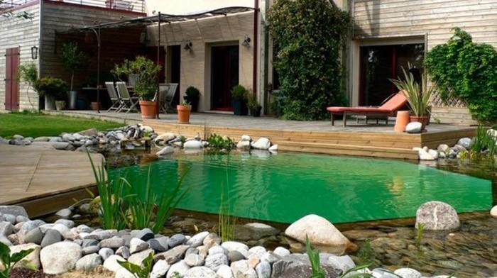 schwimmteiche ein schwimmteich oder badeteich bereitet w hrend 365. Black Bedroom Furniture Sets. Home Design Ideas